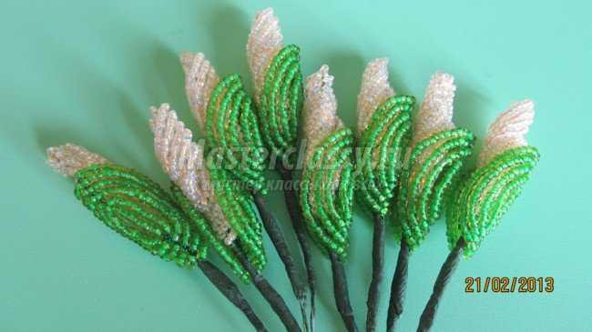Цветы из бисера Гибискус