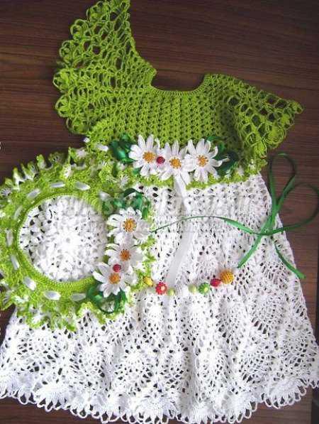 Платье на девочку с ромашками крючком