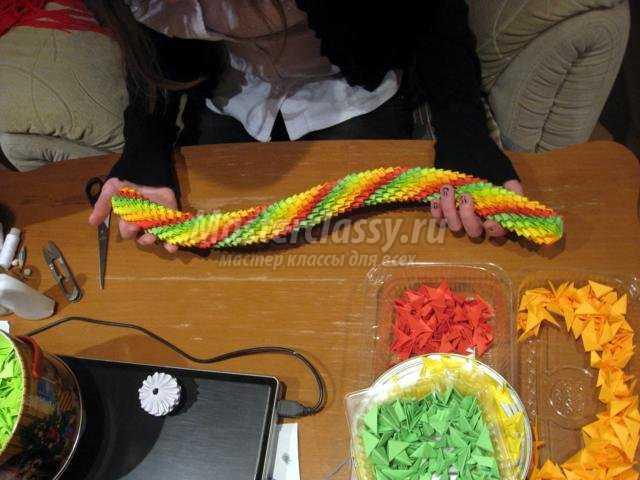 модульное оригами. Год Змеи