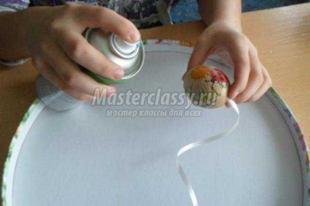 декупаж пасхальная гирлянда из яиц