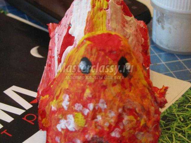 пасхальный петушок из лотка от яиц
