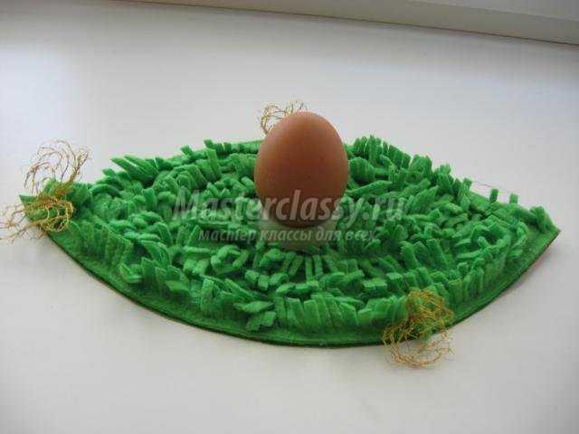 вязаная крючком грелка для яйца. Цыпленок