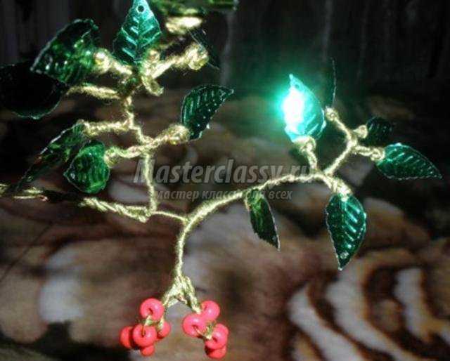 деревья из бисера. Рябина