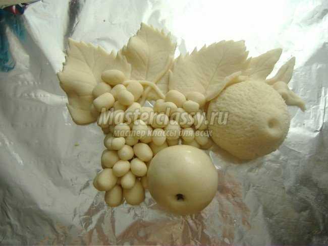 Картина с фруктами из соленого теста