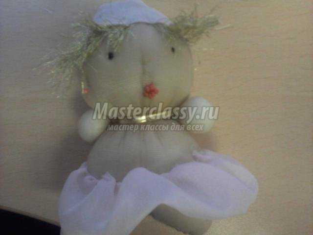 куколка-балерина из капронового носочка