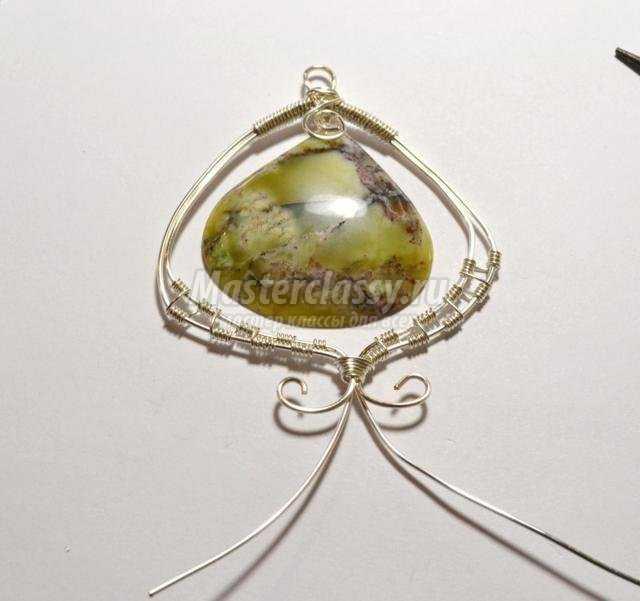 кулон-подвеска wire wrap. Африканский опал