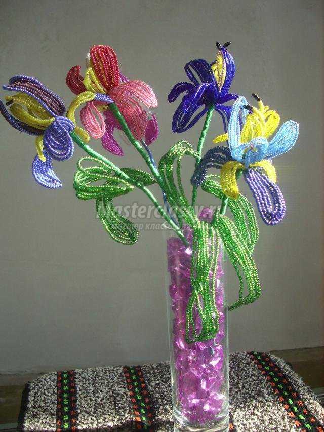 Ирис из бисера Цветы из бисера 32
