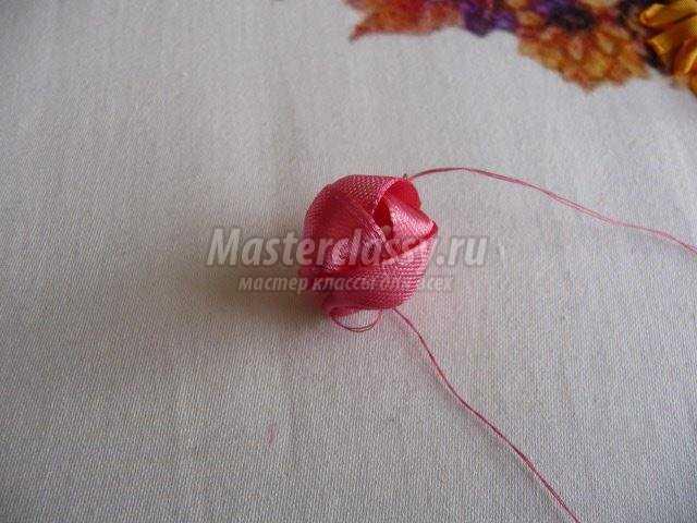 Вышивка лентами бутоны пионов