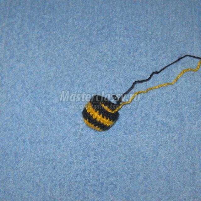 вязание крючком. Развивающий кубик