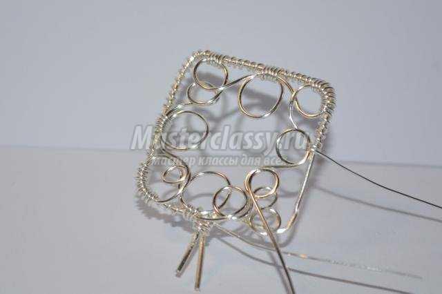 Брелок для ключей в технике wire wrap