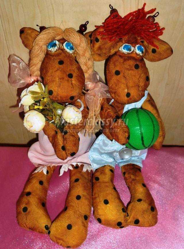 чердачные игрушки или куклы Кантри. Жирафы