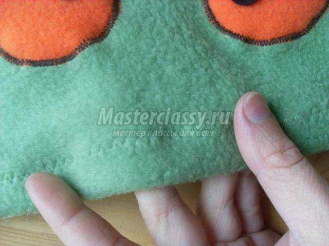 шапочка на Хэллоуин. Зеленый монстрик