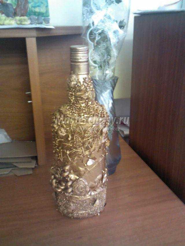 декор бутылки крупами и макаронами