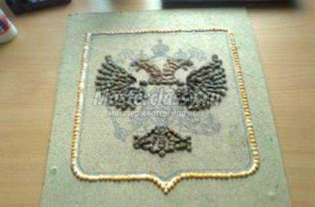 герб Российской Федерации из природных материалов