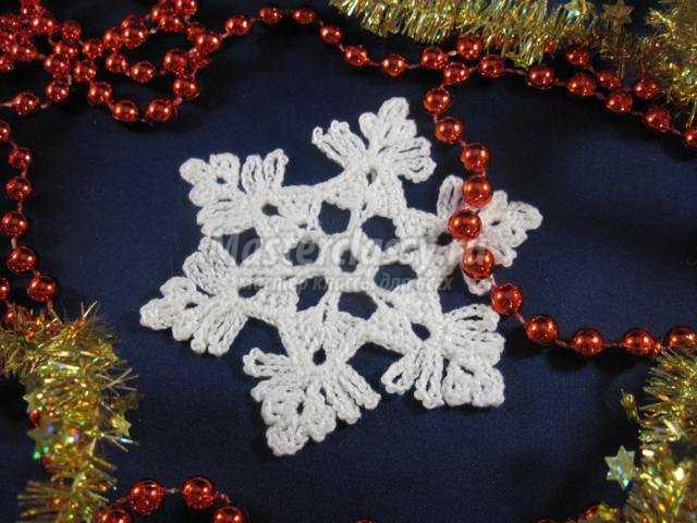 снежинки к Новому году крючком