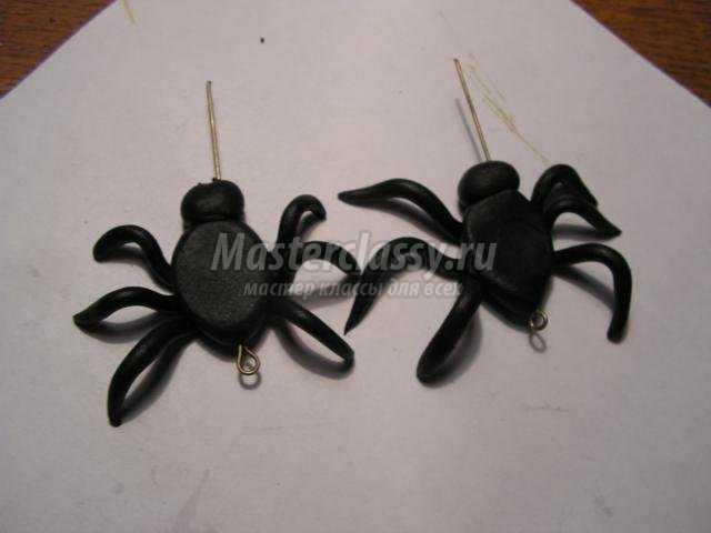 серьги из полимерной глины к Хэллоуину. Паучки