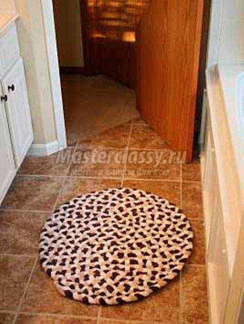 Как сделать коврик для ванны из старых полотенец 613