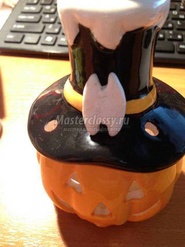 поделки на Хэллоуин. Черный кот из пластики