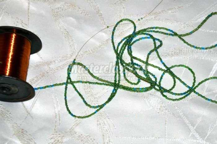 елочка из бисера фото