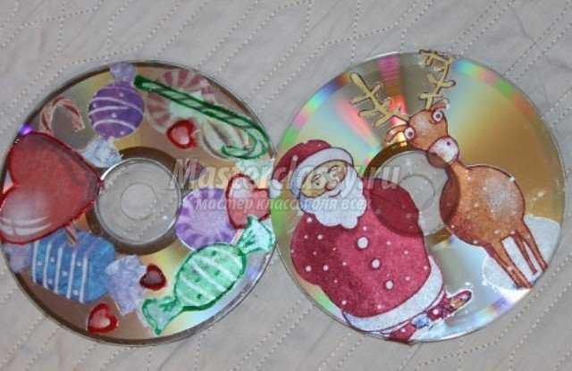 Елочное украшение из СД-диска в технике декупаж