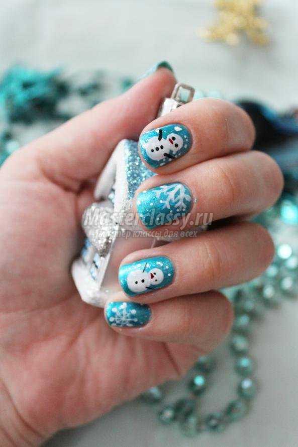 роспись ногтей к Новому году маникюр. Снеговики