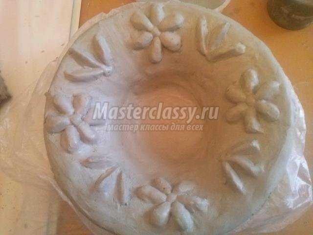 ваза из глины для фруктов