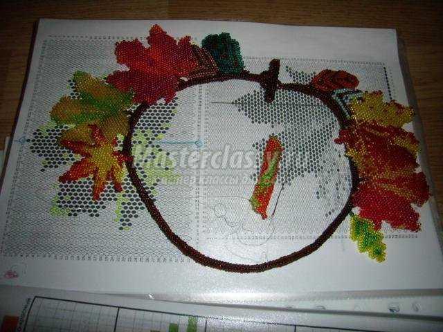 колье из бисера в технике кирпичное плетение. Листопад