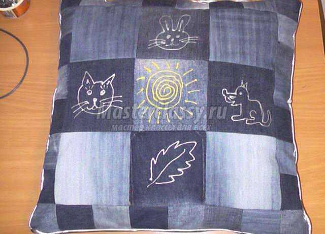 Подушка из джинса своими руками фото