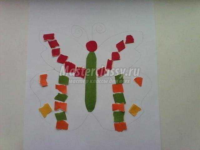 обрывная аппликация из цветной бумаги. Бабочка-радость
