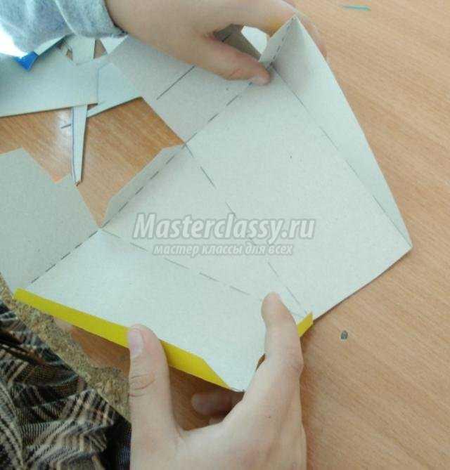 бумажная пластика. Торт из картона и гофротрубочек