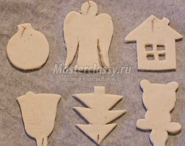 Игрушки на елку из слоеного теста