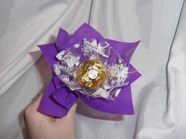 сладкие подарки своими руками. Цветочная корзина