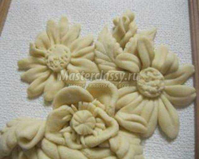 панно из соленого теста. Полевые цветы