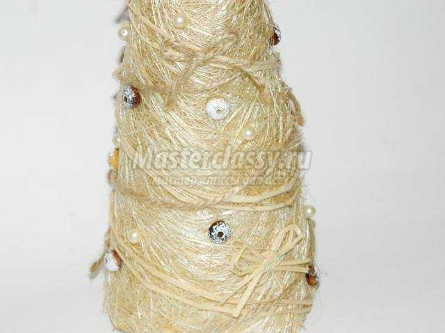 новогодняя елочка из сизаля и рафии