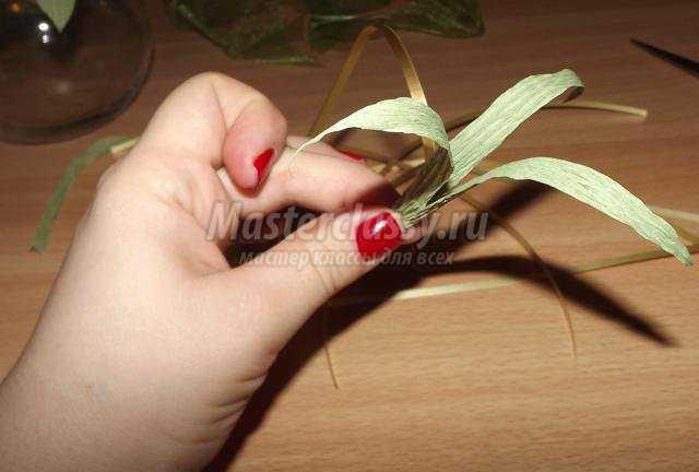 учимся делать цветочный букет из бумаги