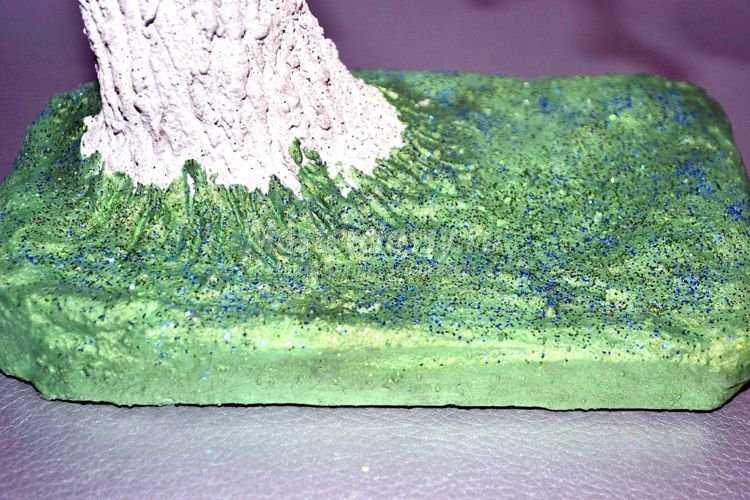 Зеленый бонсай из бисер