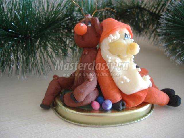 новогодние сувениры из холодного фарфора. Дед Мороз и олень