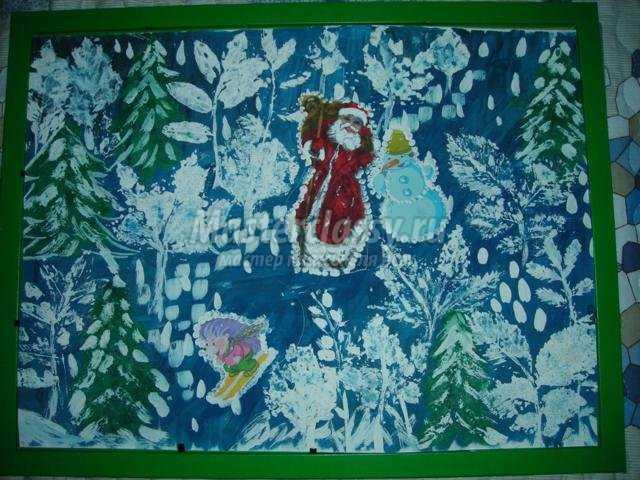 новогодняя картина с отпечатками листьев и трав. Дед Мороз