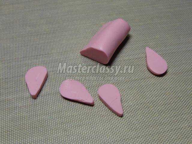 комплект украшений из полимерной глины. Нежные бутоны