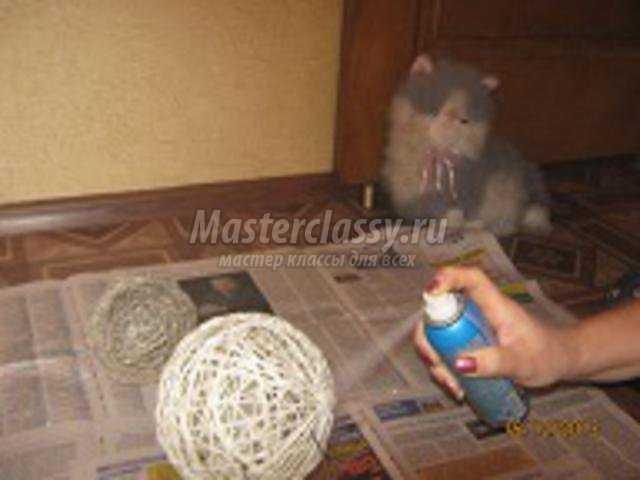 елочные игрушки. Серебряные шары из ниток
