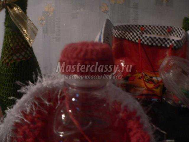 новогодний наряд на бутылку крючком. Дед мороз и Снегурочка