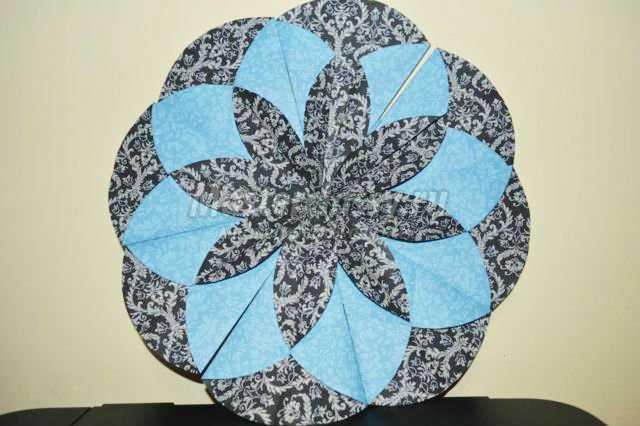 оригами на Новый год салфетка. Снежинка