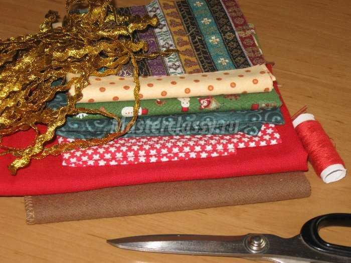 Новогодний сапожок для подарков. Аппликация «Колокольчики»