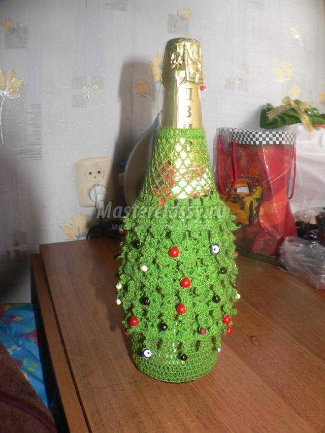новогодняя одежда для бутылки шампанского
