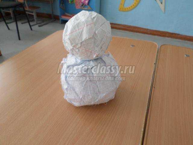 снеговик из бумажных салфеток