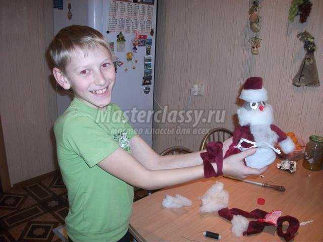 веселый Дед Мороз из пластиковой бутылки