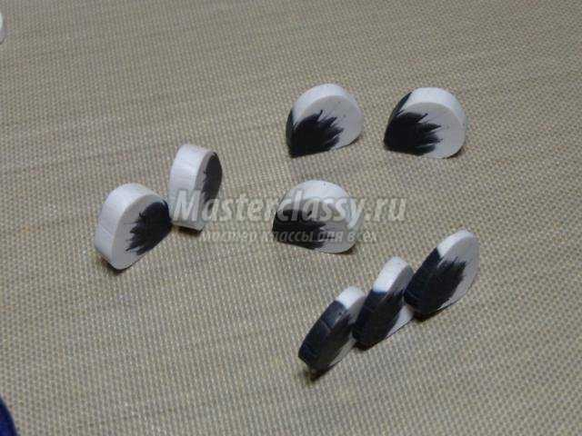 колье из полимерной глины с крупными цветами