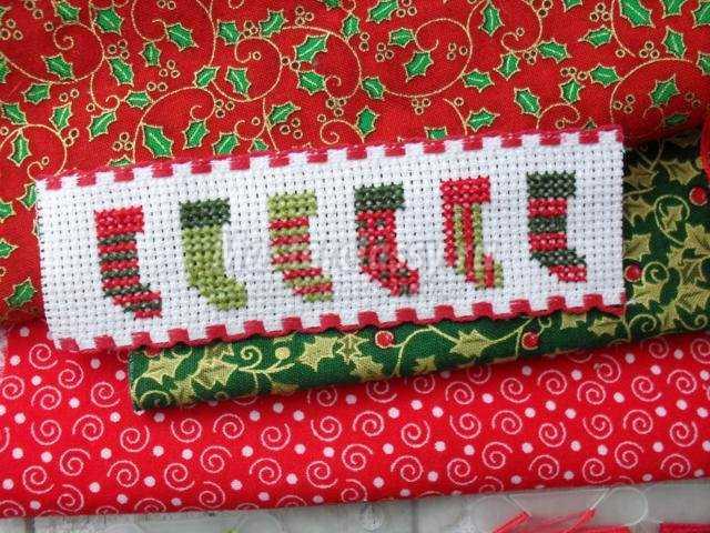 новогодняя подвеска с вышивкой. Сердечко