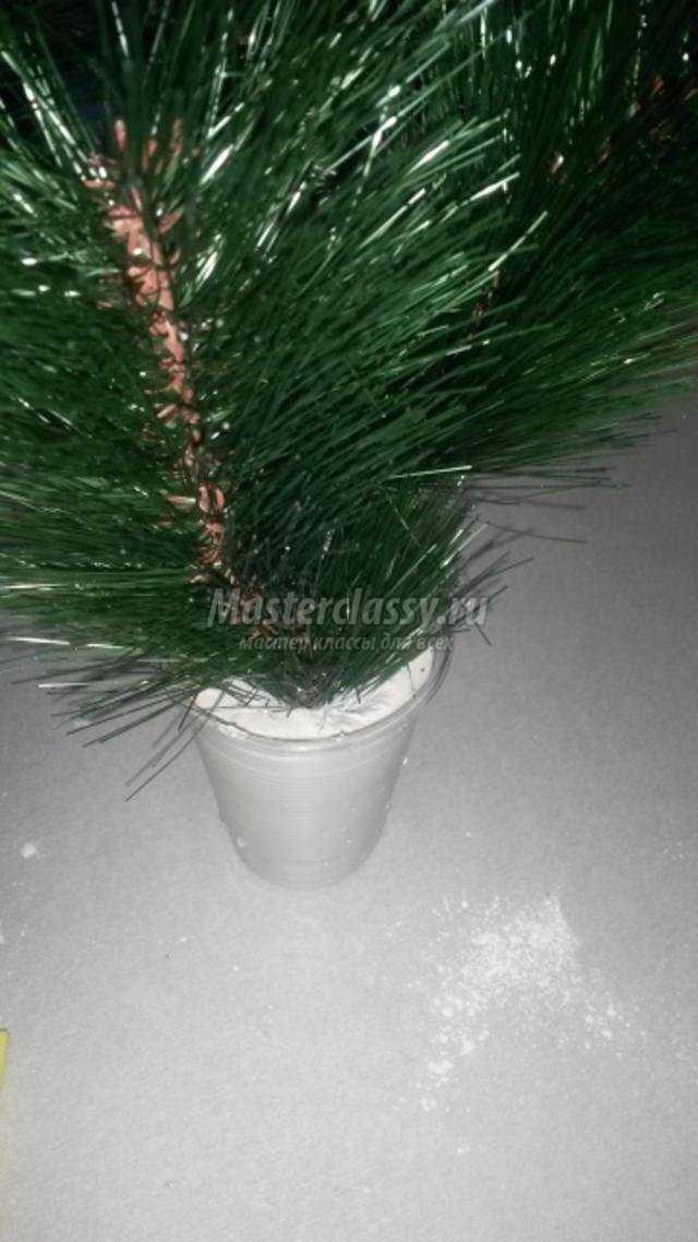 новогодняя икебана из ветки сосны. Зимняя сказка