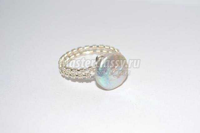 кольцо из проволоки с жемчугом Wire wrap